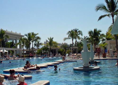 RIU-pool