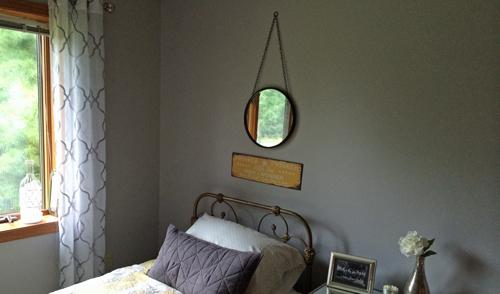 Hanging-mirror