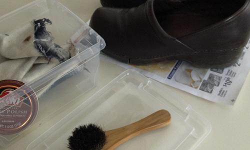 Polishing-shoes